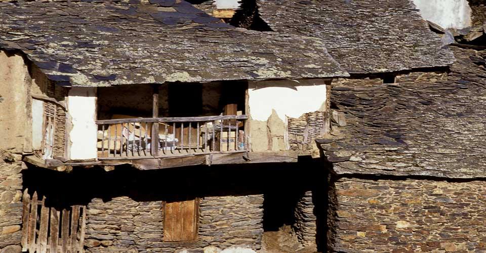 ardoises_catteau_un_peu_d_histoire_vieux_village_ardoises